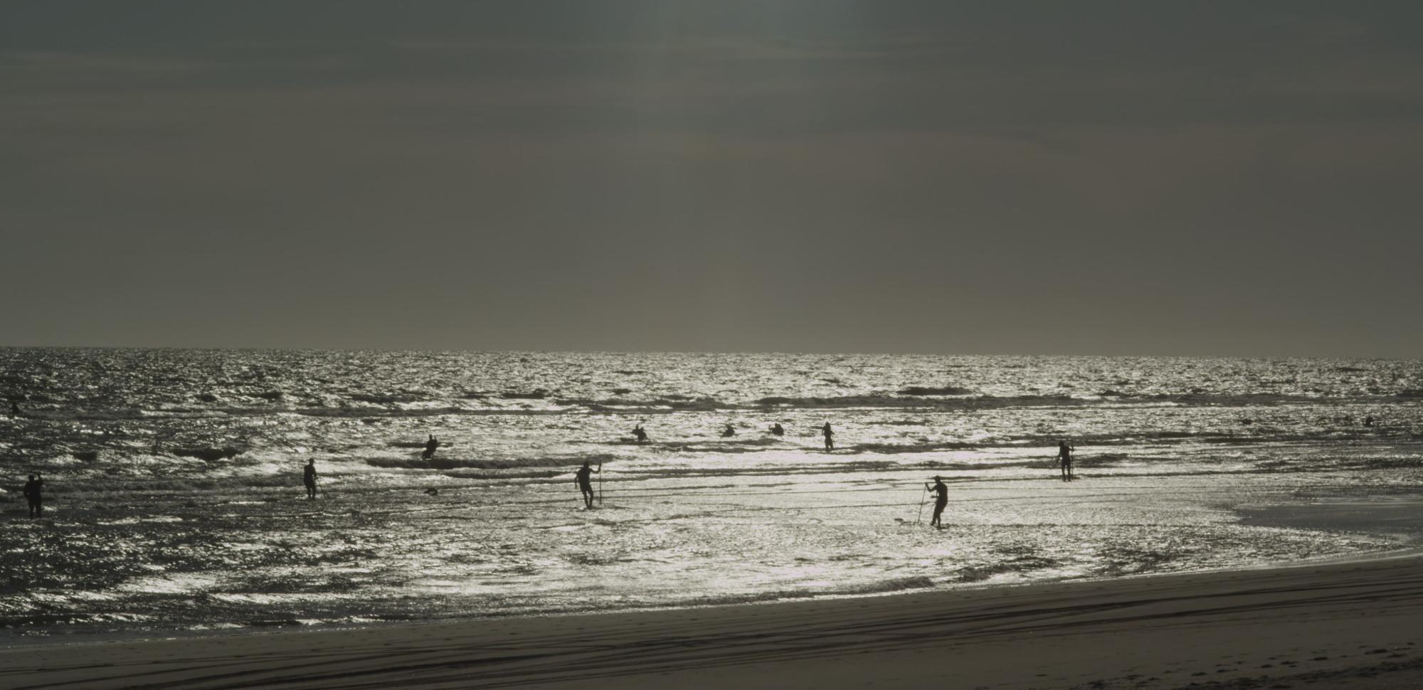 El mar nos mira de lejos, Manuel Muñoz Rivas